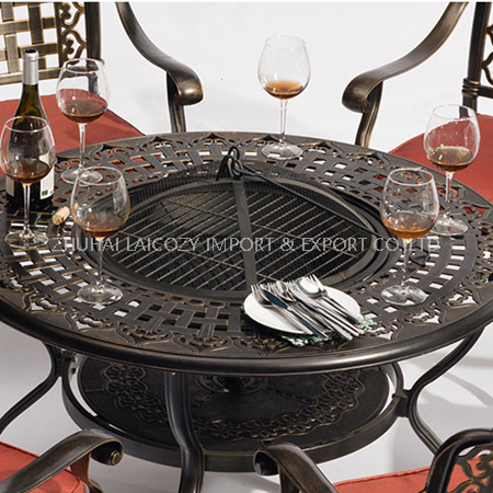 Outdoor Furniture Cast Aluminium BBQ Table with Six Chairs with Cushion